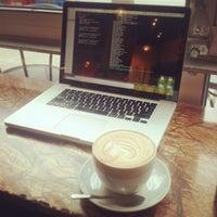 1/19/2013 tarihinde Karen C.ziyaretçi tarafından Espresso Vivace'de çekilen fotoğraf