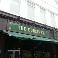 Photo prise au The Dubliner par Louise R. le4/12/2013