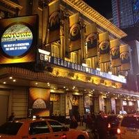 Foto diambil di Lunt-Fontanne Theatre oleh Tristan H. pada 3/21/2013