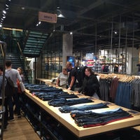 Photo taken at Levi's Store by Luis d. on 9/24/2017