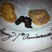 5/4/2013 tarihinde AnnaLee A.ziyaretçi tarafından Aria Restaurant'de çekilen fotoğraf