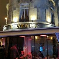 Das Foto wurde bei L'Avenue von R A. am 12/21/2010 aufgenommen