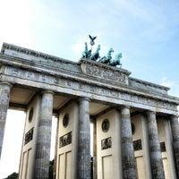 Photo taken at Brandenburg Gate by Yasuhiro K. on 9/6/2012