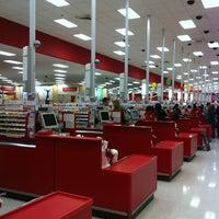 Foto tirada no(a) Target por Andy O. em 4/6/2013