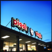 Photo taken at Piggly Wiggly by Kelley on 8/30/2014