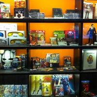 Photo taken at Geek.Etc.Br by Gabriela P. on 12/27/2012