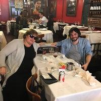 Foto scattata a Melo Restaurant da Cooper F. il 10/4/2017