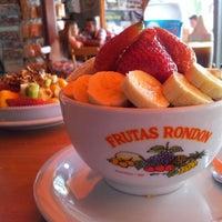 Foto tirada no(a) Frutas Rondon por Marcos B. em 12/2/2012