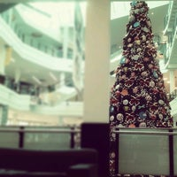 Photo taken at Santana Parque Shopping by Heleno M. on 12/24/2012