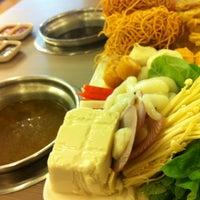 Photo taken at 100°C Steamboat, Teppanyaki & BBQ Restaurant by Chin Yee Y. on 7/12/2013