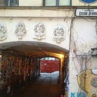 Снимок сделан в Арт-центр «Пушкинская 10» пользователем Arthur A. 1/27/2013