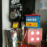 Foto tirada no(a) Cafe La Central por Mr Silent em 8/9/2016
