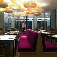 Foto tomada en Senz Nikkei Restaurant por Jesu V. el 10/23/2012