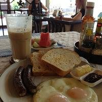 Photo taken at Café de Thaan Aoan by Rafael O. on 2/17/2013