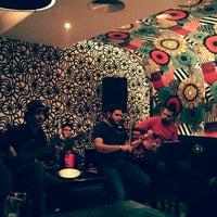 Das Foto wurde bei Books@cafe von Abdallah A. am 3/6/2013 aufgenommen