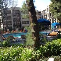Photo taken at Howard Johnson Anaheim Hotel and Water Playground by Jennifer M. on 3/10/2013