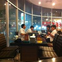 Photo taken at AKA USHI - Japanese Grill & Sushi by MonkeyPoo M. on 2/22/2013