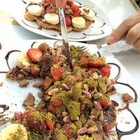 10/4/2014 tarihinde aRdAziyaretçi tarafından Waffle'cı Akın'de çekilen fotoğraf