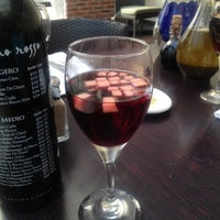 Photo taken at Italianni's Pasta, Pizza & Vino by Jess G. on 10/21/2012