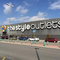 Photo taken at San Sebastián de los Reyes The Style Outlets by Daniel T. on 2/13/2015