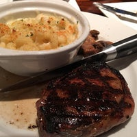 Photo taken at LongHorn Steakhouse by Teresa L. on 4/13/2016
