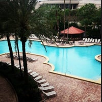 Photo taken at Rosen Centre Hotel by Lurdinha A. on 10/21/2013