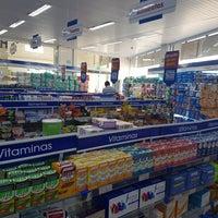 Photo taken at Farmácia Pague Menos by Gleyson J. on 9/27/2017