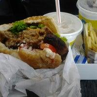 Foto tirada no(a) NYC Burger por Diego R. em 12/25/2012