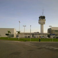 Photo taken at Aeropuerto Internacional de Villahermosa C.P.A. Carlos Rovirosa Pérez (VSA) by Fidel C. on 6/5/2013