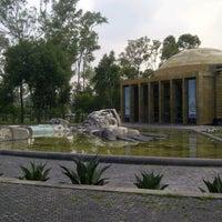 Das Foto wurde bei El Carcamo ( 2a Seccion De Chapultepec ) = von Fidel C. am 6/17/2013 aufgenommen