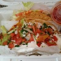 7/17/2014에 Matthew Y.님이 El Super Burrito에서 찍은 사진