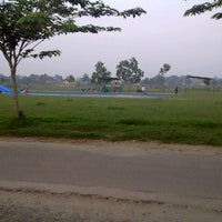 Photo taken at Lapangan Bola Tebat Sari by Abu &. on 10/25/2012