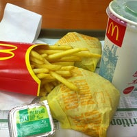 Photo taken at McDonald's by Gershuan R. on 3/13/2013
