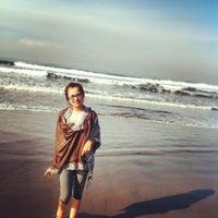 Photo taken at Pantai Pangandaran by biiruqueenvamp H. on 3/2/2013