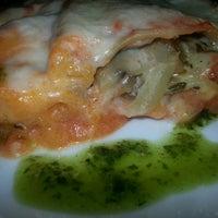 Foto tomada en Restaurante Vegaviana por Raquel Z. el 3/21/2014