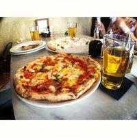 Снимок сделан в Settebello Pizzeria пользователем David R. 3/27/2013