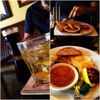 Foto tirada no(a) Crown & Anchor Pub por David R. em 9/26/2012