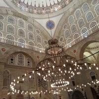 Das Foto wurde bei Edirnekapı Mihrimah-Sultan-Moschee von Veysi O. am 5/16/2013 aufgenommen