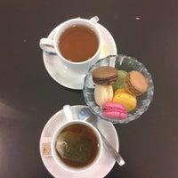 Снимок сделан в Coffee Bean пользователем Anet V. 12/3/2012