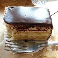 Das Foto wurde bei Flour Bakery + Cafe von Vic R. am 3/4/2014 aufgenommen