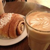 Das Foto wurde bei Café Esplanad von Siiri H. am 6/11/2013 aufgenommen