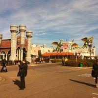 10/17/2012 tarihinde Евгений Л.ziyaretçi tarafından Excalibur City'de çekilen fotoğraf