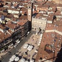 10/16/2013에 Gabriele R.님이 Piazza delle Erbe에서 찍은 사진