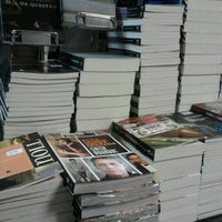 Photo taken at Livraria Leitura by Cecília P. on 9/23/2012