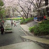 Foto tirada no(a) Shinjuku Chuo Park por hiro em 3/24/2013