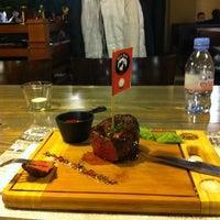 12/2/2012 tarihinde Мария К.ziyaretçi tarafından BB Grill'de çekilen fotoğraf