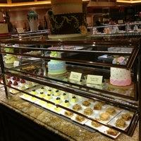 Das Foto wurde bei The Buffet at Bellagio von Rodney R. am 5/18/2013 aufgenommen