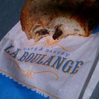 Photo taken at La Boulange de Hamilton by Kyle P. on 9/19/2012