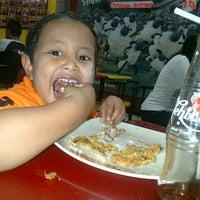 Photo taken at Quick Chicken Sidodadi by Javas P. on 2/14/2013