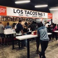 Das Foto wurde bei Los Tacos No. 1 von chihiro s. am 9/16/2018 aufgenommen